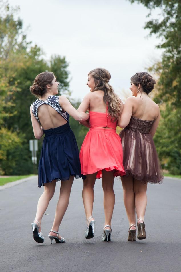 il galateo per l'abbigliamento femminile