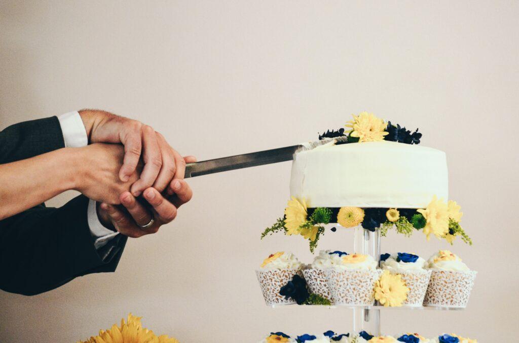 Il taglio della torta