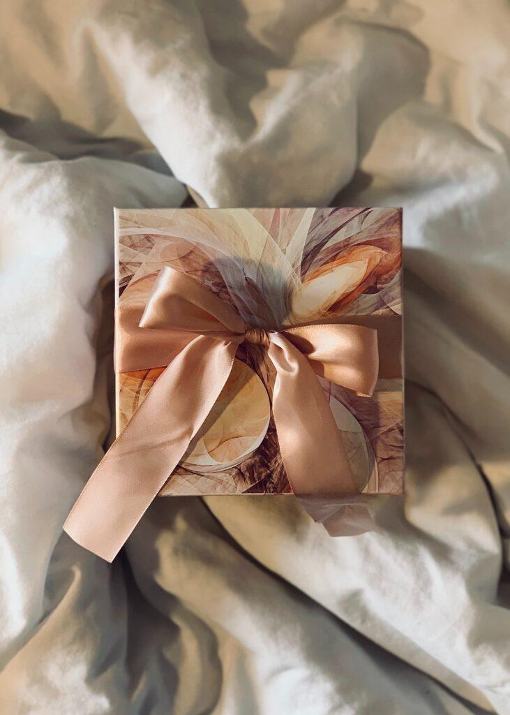 Obbligo del regalo per l'invito al matrimonio